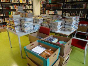 Alle Räume voller Schulbücher